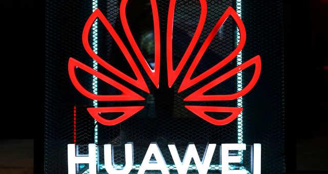EUA avançam para cortar Huawei de fornecimento global de chips